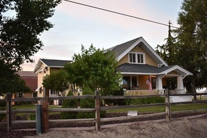 Waterville Home, WA Real Estate Listing