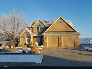 Spokane Home, WA Real Estate Listing