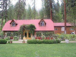 Kettle Falls Home, WA Real Estate Listing
