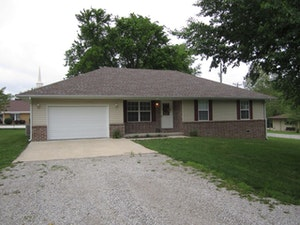 Cassville Home, MO Real Estate Listing