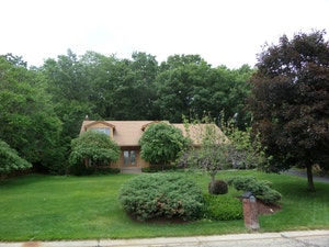 Rochester Home, MI Real Estate Listing