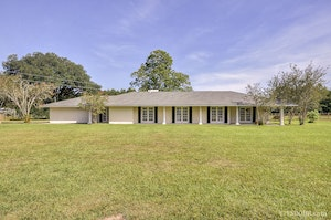 Greenwell Springs Home, LA Real Estate Listing