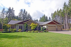 Olalla Home, WA Real Estate Listing