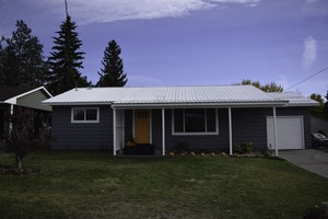 Omak Home, WA Real Estate Listing