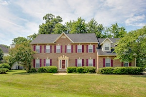 Waldorf Home, MD Real Estate Listing