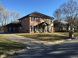 Azle Home, TX Real Estate Listing