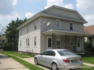 Paulsboro Home, NJ Real Estate Listing