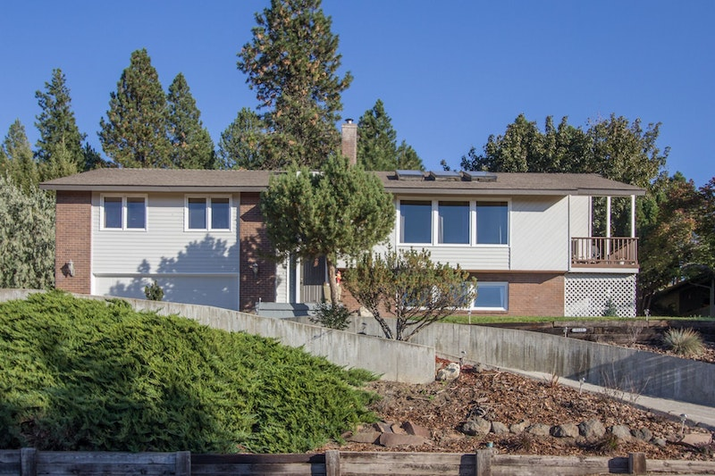 Million Dollar View For A Fraction Of The Cost 5115 S Sunward Dr Spokane Wa